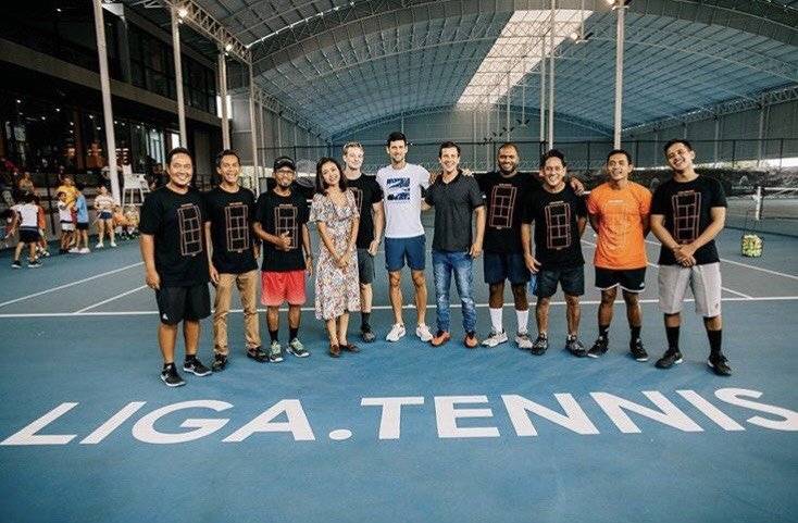 zamir mohamed yacob and his tennis coaching team with Novak Djokovic